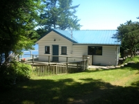 Oceanside Cottage - Dockside Realty Saturna