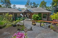 Maracaibo Waterfront Home - Salt Spring Island