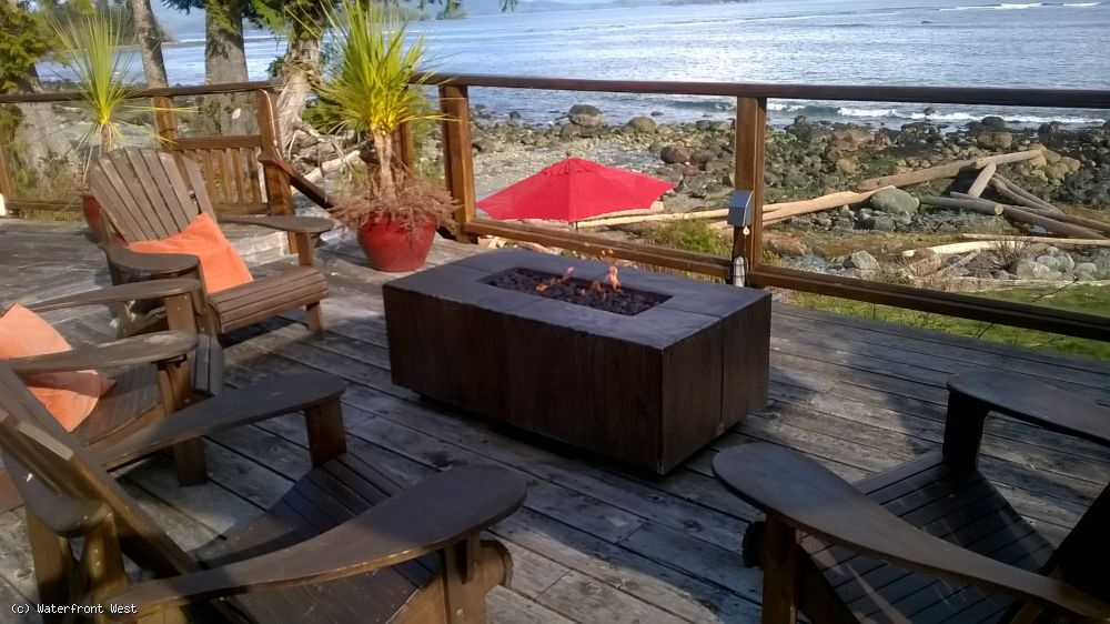 Captivating Views from this Turn-Key Oceanfront Beach House near Ucluelet