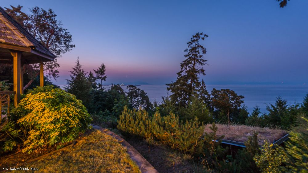 Exclusive North Nanaimo Waterfront Estate w/ sandy beach access